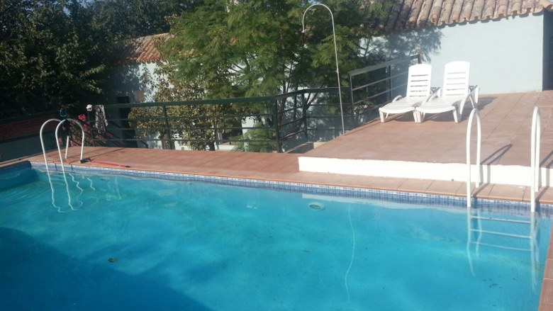 To book a Country villa with private pool in Seville province in South of Spain. To book it from Atlanta.The swimming pool has underwater lighting. There is also lighting in the porch and garden areas. 10 x 5 swimming pool with solarium and loungers